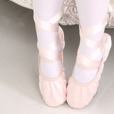 Children's dancing shoes, cat's claw shoes, girls' training shoes, thick soft bottom ribbons, dancing shoes
